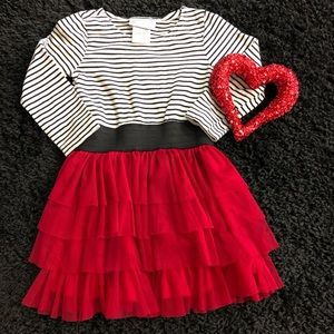 💚💚 Cute black/white striped top with red bottom